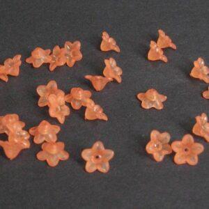 Acryl blomster, blade og perler