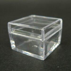 Plastæsker mm til opbevaring