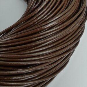 Lædersnøre brun 2mm (pris pr. meter)