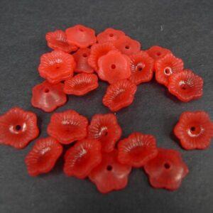 11mm røde blomster i acryl(25stk)