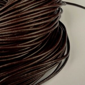 Lædersnøre brun 2½mm (pris pr. meter)