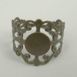 Antik bronzefv. filigran ring med plade(1stk)