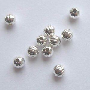 Forsølvede perler, rillede 4mm(30stk)
