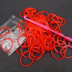 Røde elastikker m. låse og hæklenål