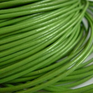 Lædersnøre vårgrøn 2mm (pris pr. meter)
