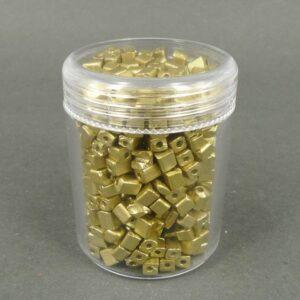 Firkantede glasperler, guldfarvede