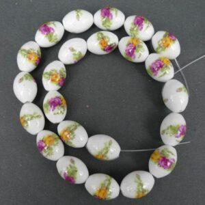Ovale porcelænsperler med roser 11x15mm