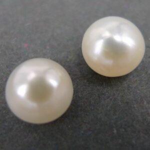 Anborede ferskvandsperler 6½ mm (1 par)